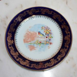 porcelianinė lėkštė su rankų darbo piešiniu, paukščiu