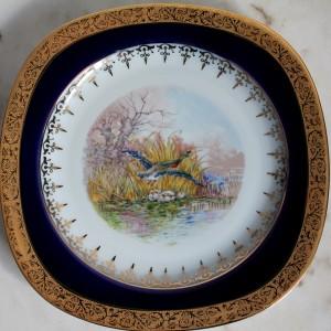 porcelianinė lėkštė kvadrato formos