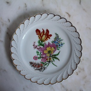 Shirnding porcelain
